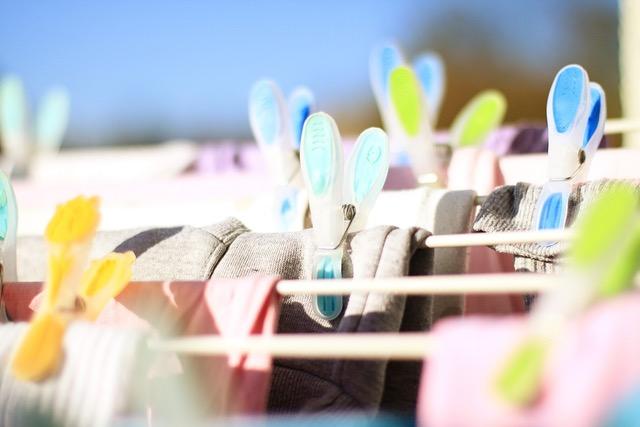 thumbnail_clothespins-619845_1280